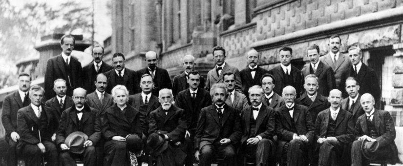 Solvay_conference_1927-825x340.jpg