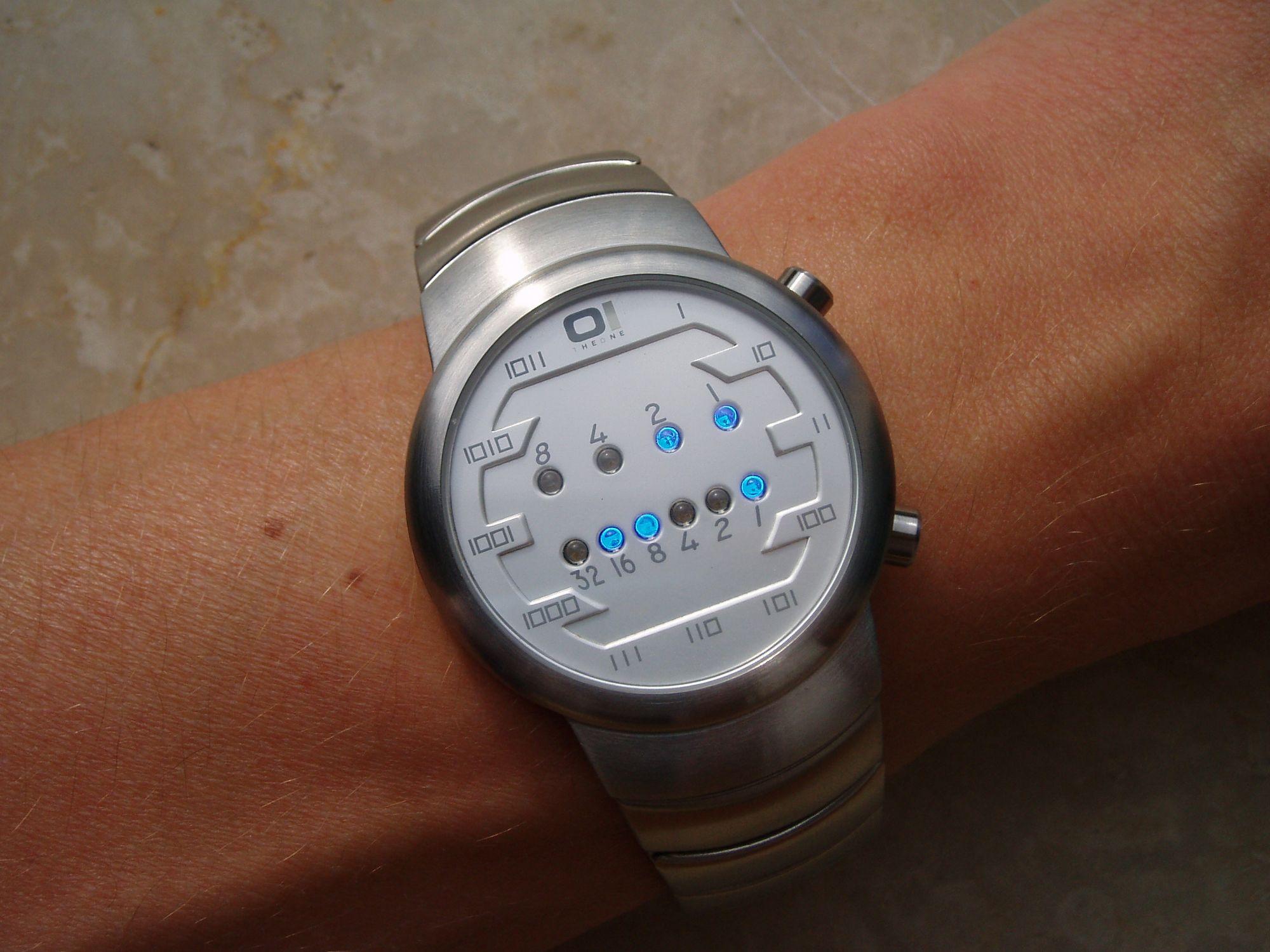 Binary_clock_samui_moon.jpg