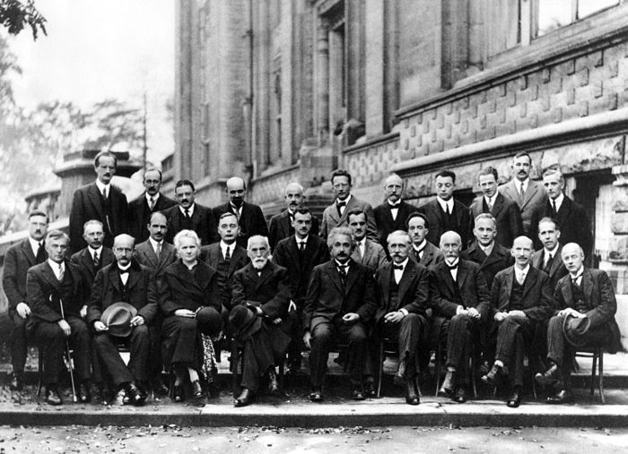 700px-Solvay_conference_1927.jpg